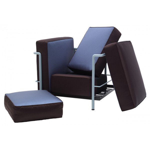 fauteuil lc2 villa church fauteuil lc2 le corbusier cassina fauteuil lc2 cassina authentics. Black Bedroom Furniture Sets. Home Design Ideas